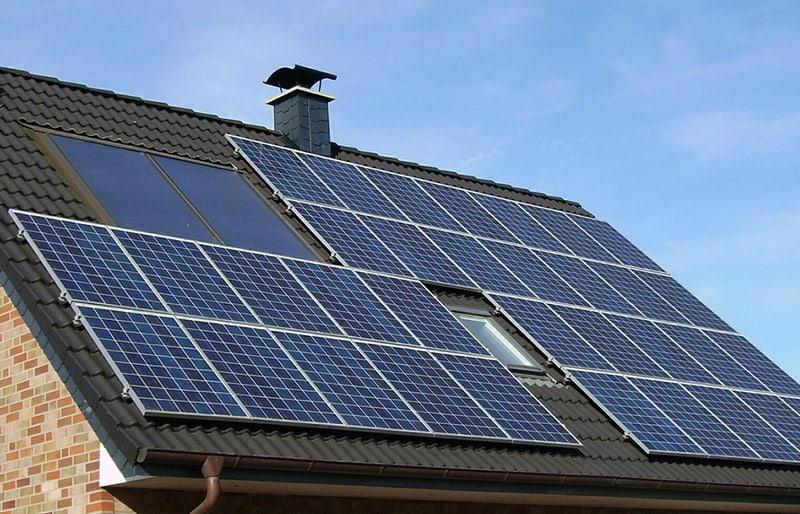 Toiture de panneaux photovoltaïques