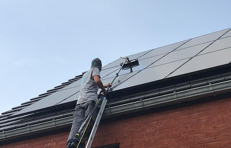 Nettoyage de panneaux photovoltaïques