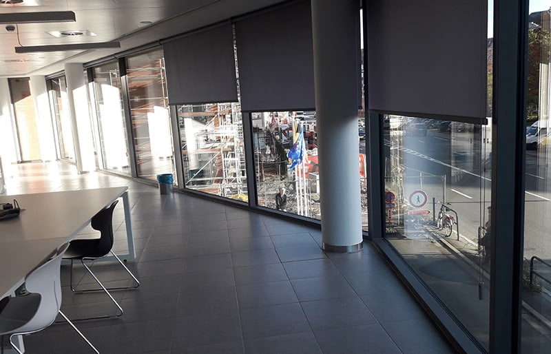 Lavage de vitre commercial